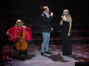 Lester Rector och Emmi Christensson i Stjärnjul 2017