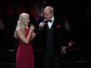 Emmi Christensson och Nisse Landgren i Stjärnjul 2017